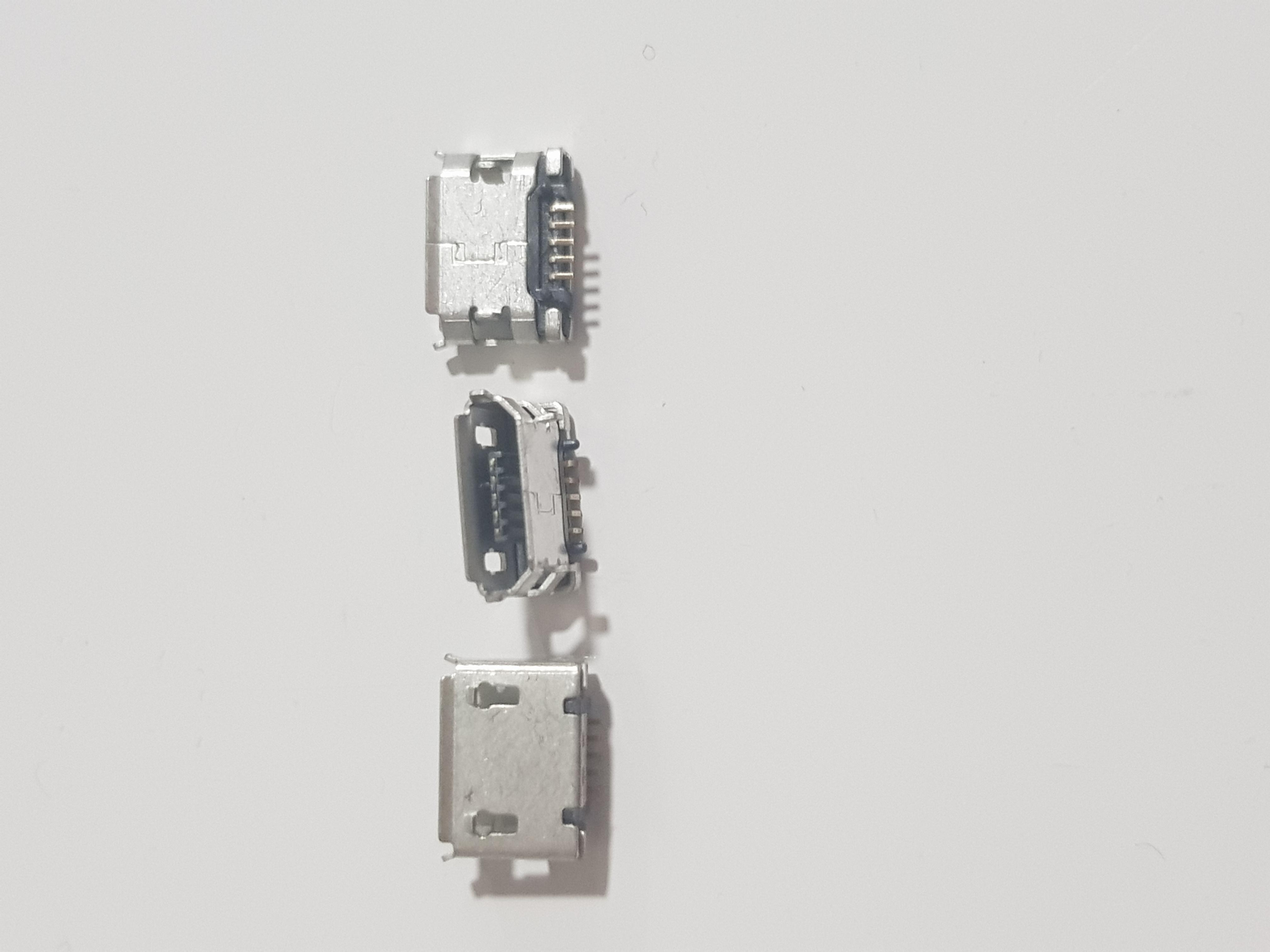 Mufa Conector incarcare Micro-sub 5 pini universal 0